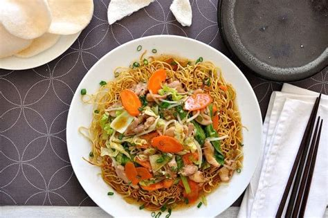 crispy chinese noodles  chicken recipetin eats