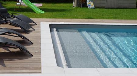 prix piscine coque avec volet roulant prix d un volet roulant de piscine co 251 t moyen tarif de