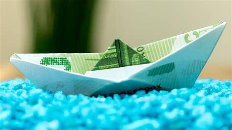 geldschein falten schiff geldscheine zu einem boot falten
