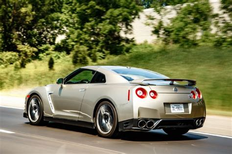 2019 Nissan Gt R  Car Photos Catalog 2018