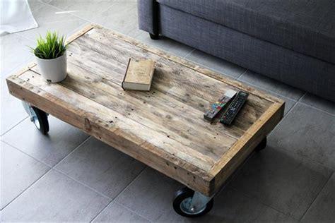 diy reclaimed pallet coffee table  wheels pallet