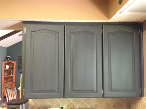 How To Chalk Paint Cabinets by Wilker Do S Using Chalk Paint To Refinish Kitchen Cabinets