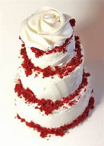 Red velvet cake with buttercream rose | Wedding Cakes ...