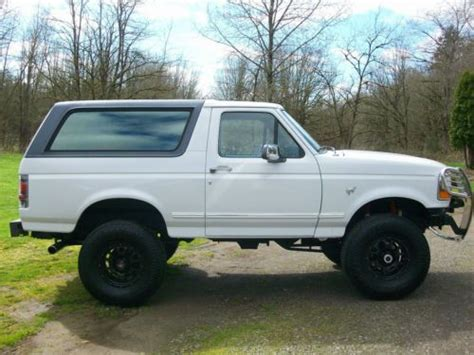 purchase   ford bronco xlt sport utility  door