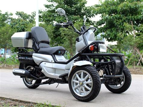 150cc New Boy Reverse Trike Scooter 3 Wheel Trike Moped