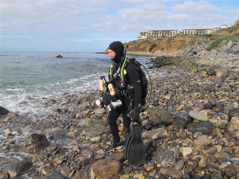 shore diving   dslr underwater cameraunderwater