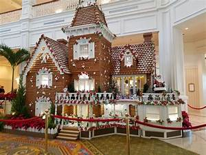 The Beauty of The 2016 Grand Floridian Holiday Gingerbread ...