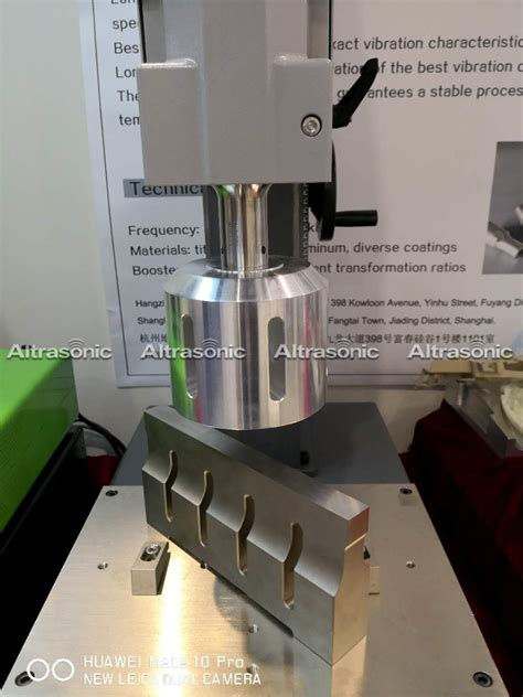 china ultrasonic plastic welding  accurate   clearance joints  household