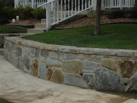 Retaining Wall Design To Create Beautiful Natural