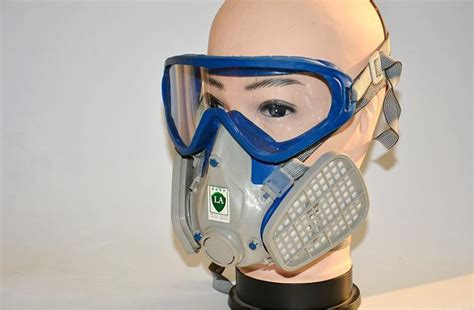 Full Face Respirator For Spray Painting Rug Fireplace Indoor Ideas Wood Holder Basket Fan Canadian Tire Floor Inserts Lowes How To Paint A Storage
