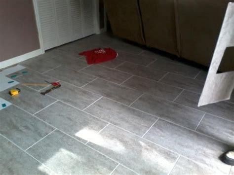 12 in x 24 in concrete resilient vinyl tiles 30 sq ft