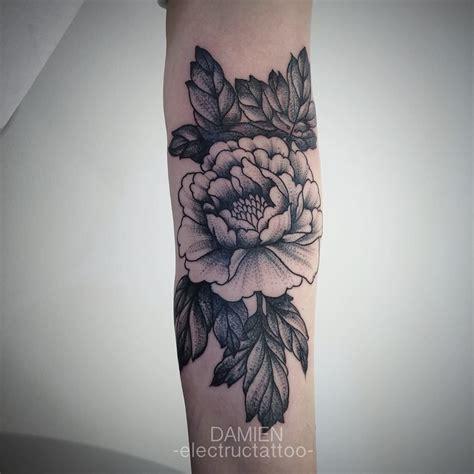 foto de Tatouage noir Pivoine Tattoos Pinterest Tattoo