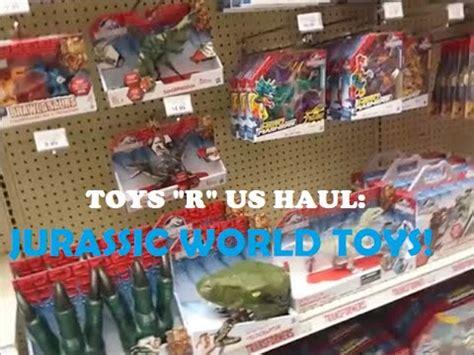 Toys R Us Jurassic World