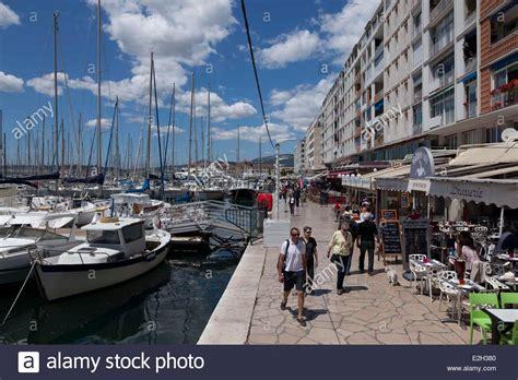 var toulon le port terrasse de restaurant du port var stock photo royalty free