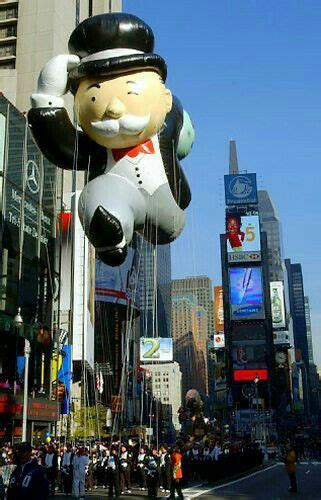 macys thanksgiving day parade floats images