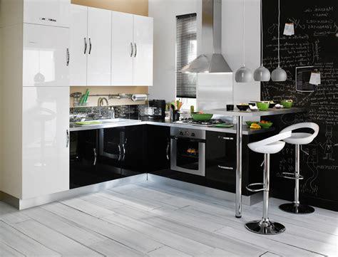 mod駘e de cuisine modèle de cuisine équipée but cuisine idées de décoration de maison 9odovvbley