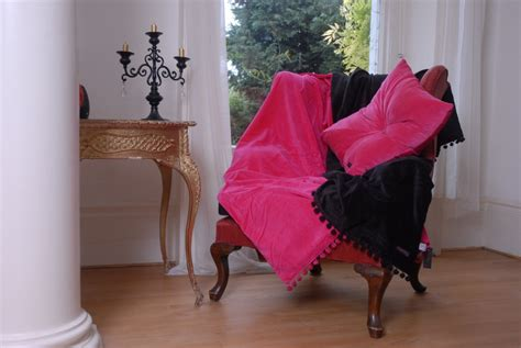 Belinda Pink Velvet Throw