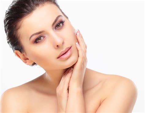 comment avoir une belle peau du visage sans boutons