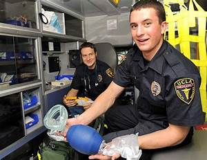 UCLA EMTs balance student life with saving lives | Daily Bruin