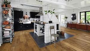 Parkett In Küche : edles parkett in der k che holzland beese unna ~ Markanthonyermac.com Haus und Dekorationen