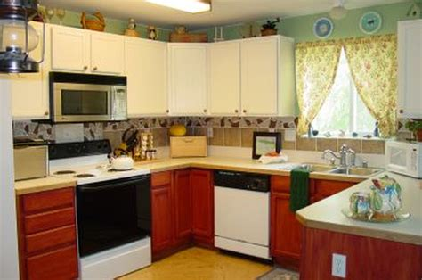 kitchen remodeling ideas on a small budget kitchen decor items kitchen decor design ideas