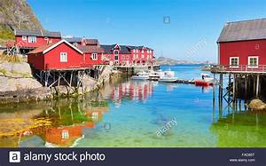 Haus Fjord Norwegen Kaufen : traditionellen roten holz rorbu h user auf moskenesoya island lofoten inseln norwegen ~ Eleganceandgraceweddings.com Haus und Dekorationen
