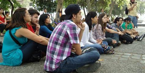 La juventud y su rol en la sociedad actual El Quinto Poder