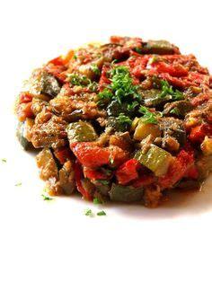 recette cuisine proven軋le traditionnelle c 39 est l 39 été poivrons et oeufs au plat cuisine rigolotte ratatouille