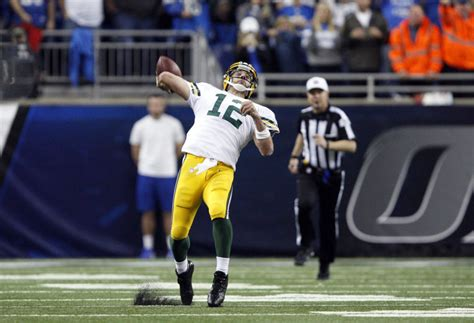 miracle aaron rodgers throws  yard hail mary  beat
