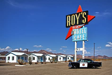 File Amboy California Usa Hist Route 66 2012 1 File Roy S Cafe Motel Jpg Wikimedia Commons