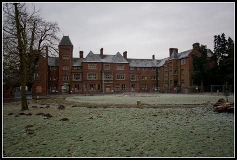 fairmile hospital berkshire whatevers left