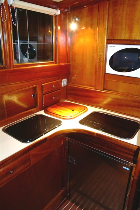 cuisine bateau cuisine bois acajou wraste com