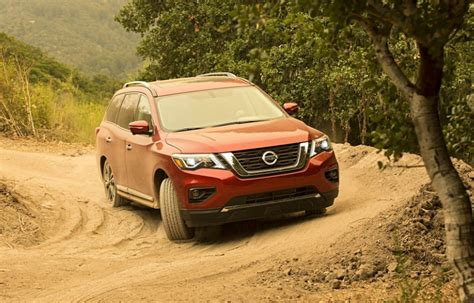 nissan pathfinder release date interior pictures