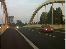 Walton Bridge used by 30,000 vehicles every weekday