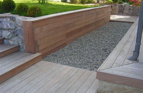 revetement sol exterieur gravier 14 pas de contour et lames droites terrasse escalier banc
