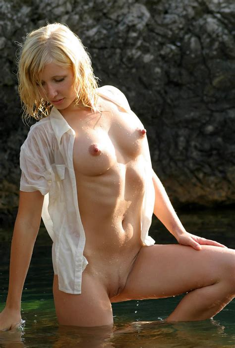 Blonde with great boobs in the sea | Russian Sexy Girls