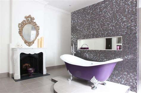 relooker cuisine rustique baignoire de couleur pour relooker et embellir votre salle
