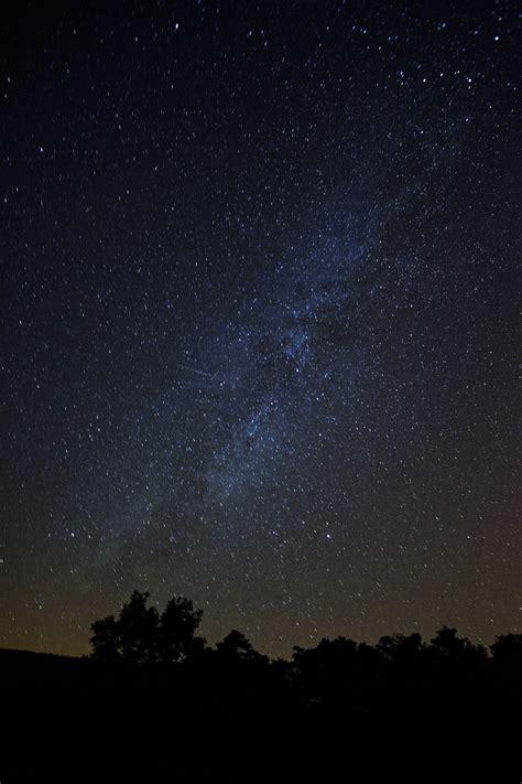 图片素材 轮廓 天空 晚 银河 大气层 黑暗 天文学 午夜 天文物体 螺旋星系