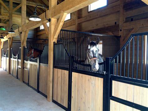 Pferdestall Innen by Barn Framing Vermont Timber Works