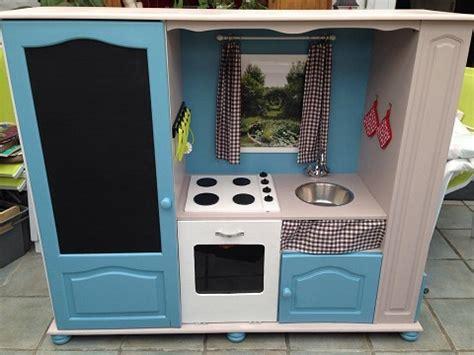 cuisine télé comment transformer un meuble tv en cuisinière pour enfants