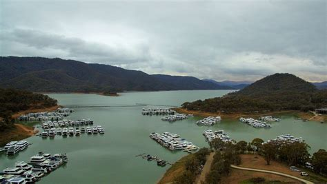 Fishing Boat Hire Eildon by Lake Eildon Houseboats The Absolute Waterfront Property