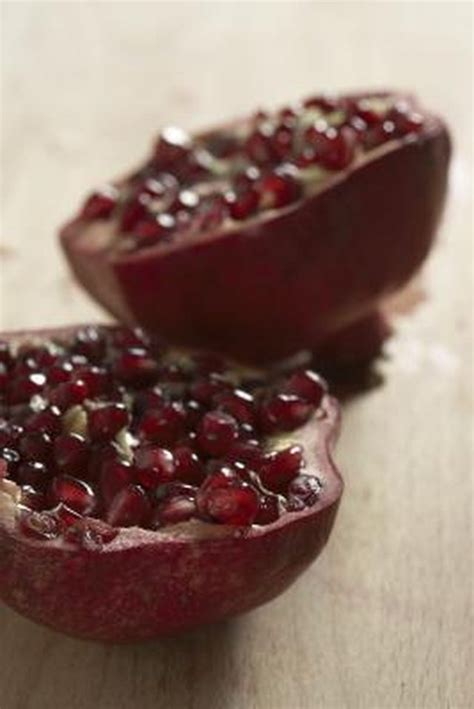 frozen pomegranate freezing pomegranate seeds arils leaftv
