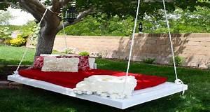 Lit Exterieur Jardin : faire une balancelle de jardin en palette pour 40 deco ~ Teatrodelosmanantiales.com Idées de Décoration