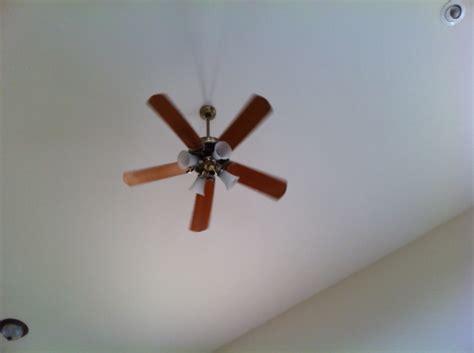 change bulb in ceiling fan ceiling fan how can i change light bulbs in a fixture