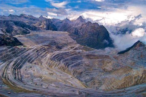 operations  freeport grasberg copper  remain blocked