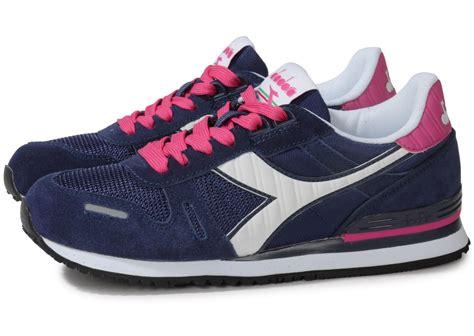 diadora titan 2 bleu marine et rose chaussures