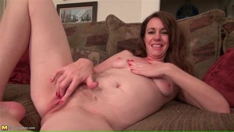 Pink Mature Pussy Looks Splendid In Close Up Alpha Porno
