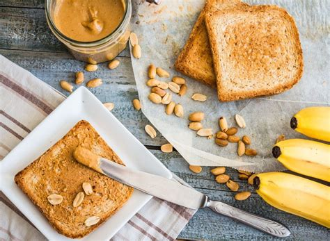 8 Grab And Go Snacks Under 200 Calories