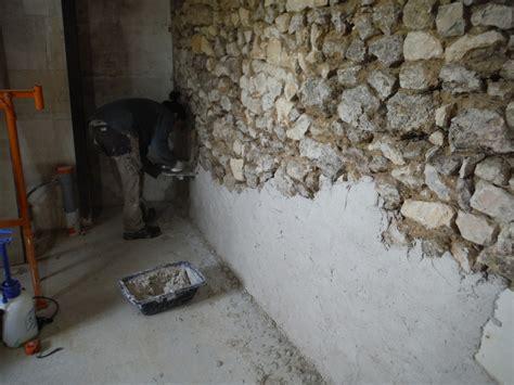 enduire un mur interieur on enduit les murs 224 la chaux r 233 nover soi m 234 me une maison en