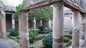 Cour De Maison : cour int rieure de la maison la colonnade toscane herculanum herculanum via francigena ~ Melissatoandfro.com Idées de Décoration